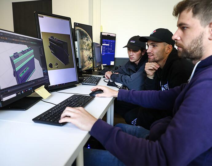 """Workshop """"Création de jeu vidéo"""" avec le YouTubeur Mathieu"""