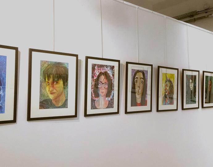 Autoportraits des étudiants de l'école Brassart Tours