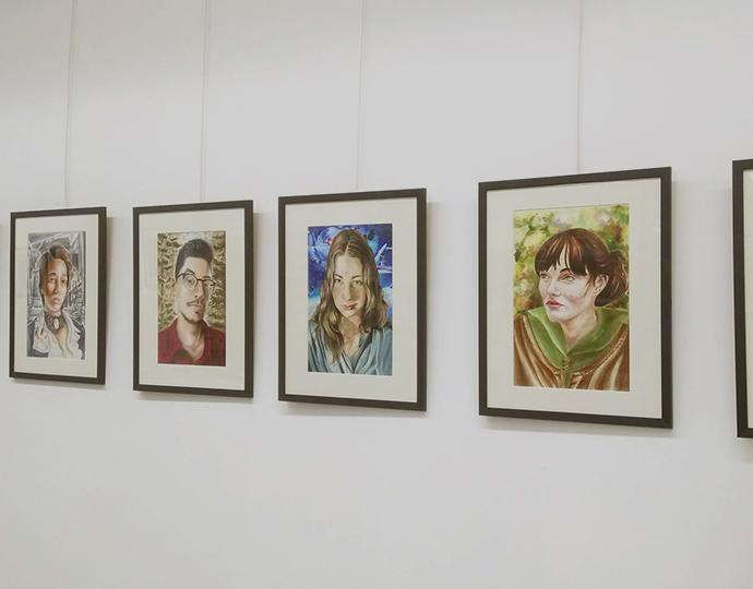 Autoportraits des étudiants en formation arts appliqués Brassart Tours